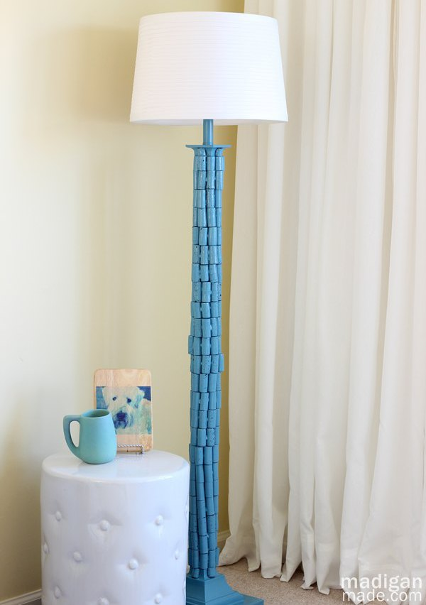 How to makeover a lamp with paint and wine corks 00