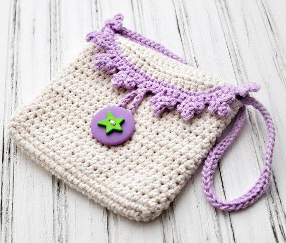 4aca8b87b8b0 Детскую вяжем крючком сумочку – Сумочка для девочки крючком (схемы и  описание)