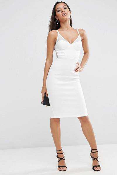 c61a829dae73d2c Длинные платья подходят и очень высоким женщинам. Стильные платья-рубашки  идут к различным типам фигуры. Подобное платье белого цвета ...