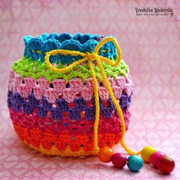129dc3b7172d Всего на такую сумочку понадобится 50-60 грамм хлопка. Очень подробно, с  пояснениями, мы выкладываем работу: сумочка для девочки крючком подробный  ...