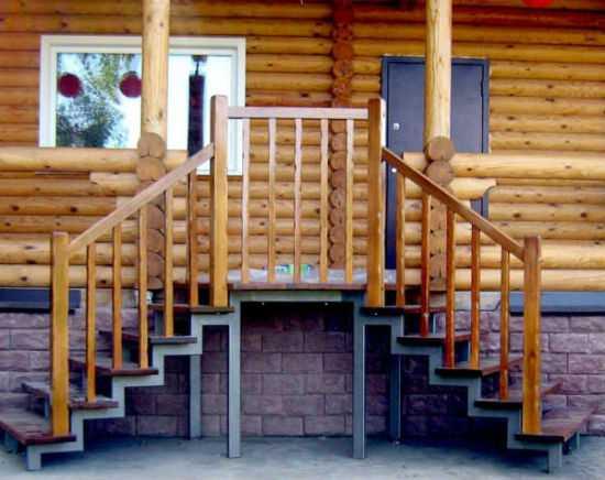 Картинки по запросу лестница крыльцо для бани из бетона и дерева