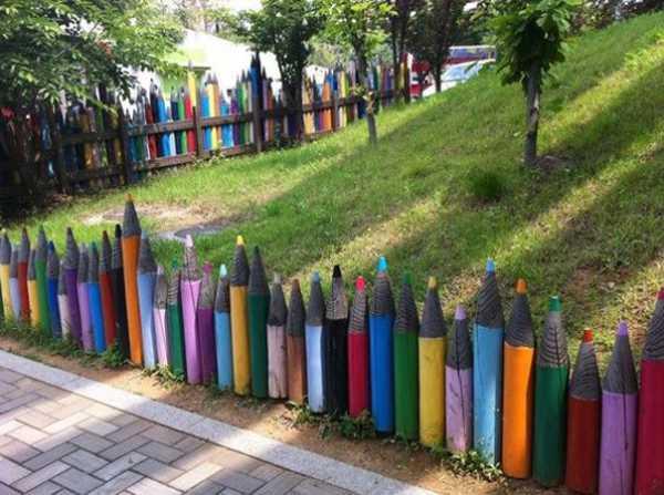 забор из карандашей для огорода на окне